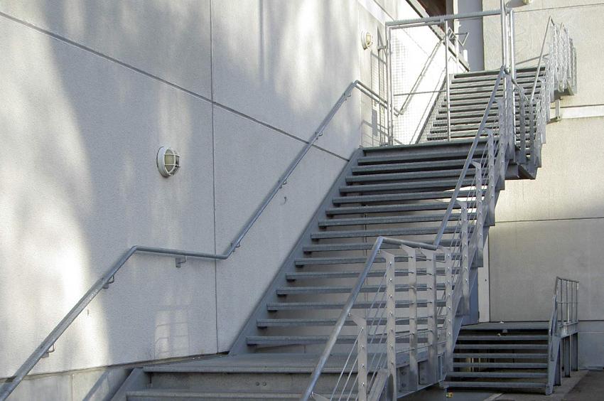 treppen gel nder und balkone tews maschinen und stahlbau gmbh. Black Bedroom Furniture Sets. Home Design Ideas
